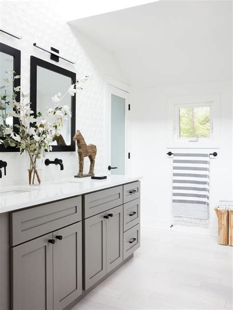 hgtv home 2018 master bathroom pictures hgtv