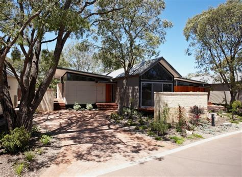 Busselton Cabins grove 4 bedroom householiday house busselton accommodation