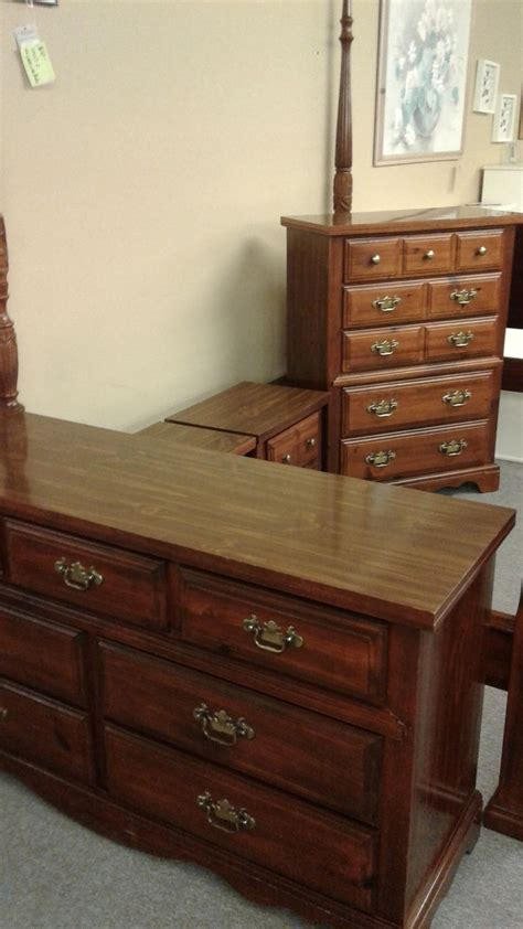 broyhill bedroom set 4pc broyhill pine bedroom set delmarva furniture consignment