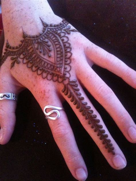 henna tattoo machen 1180 best mehndi images on hennas henna