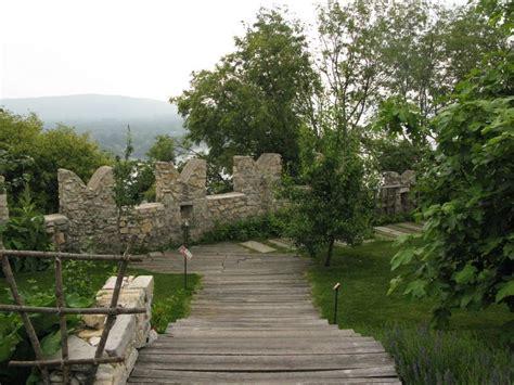 giardini medievali giardini medievali della rocca di angera lago maggiore