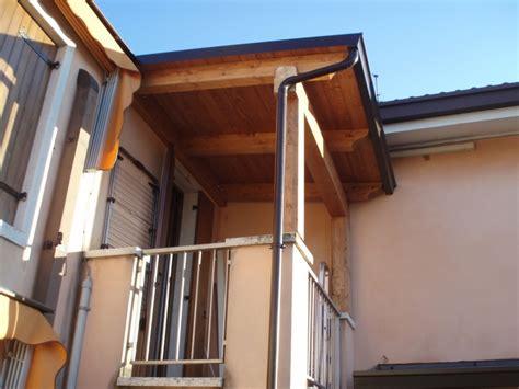tettoia per balcone consigli e prezzi per tettoie in legno habitissimo