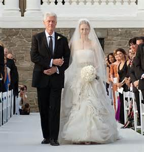chelsea clinton wedding dress chelsea clinton s vera wang wedding gown was beautiful and haver focusonstyle
