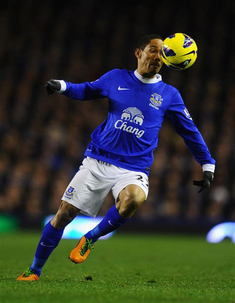 Kaos Epl Arsenal 7 steven pienaar photos photos everton v arsenal premier league zimbio