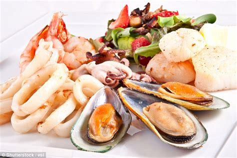 the food you should never order at a restaurant according to chefs daily mail online