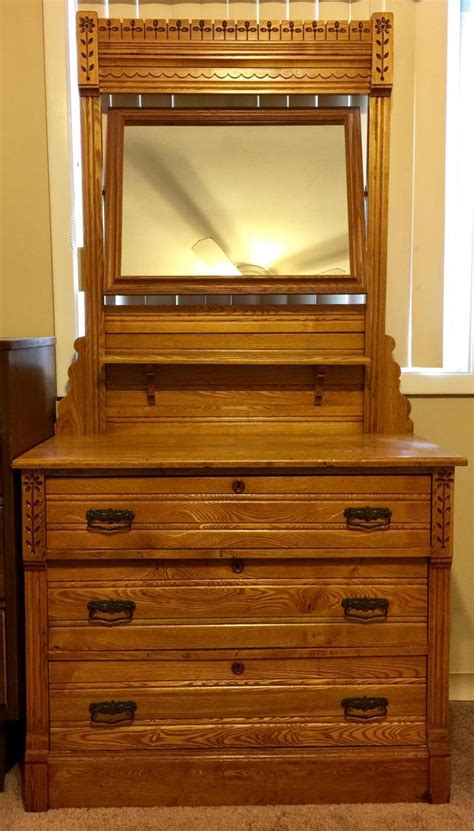 Early 1900 Dressers by Early 1900 S Honey Oak 3 Drawer Dovetail Dresser And Mirror