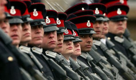 british army records centre officers and british army jobless cheats inventing war records bag benefits veterans