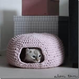 cat bed pattern cozy cat bed crochet pattern