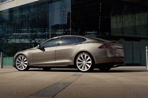 Tesla Model S Kwh Per Mile Report Tesla Model S Owners Told To Limit Use Of Local