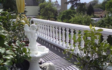 mediterraner sichtschutz terrasse balustradengel 228 nder auf mediterraner terrasse