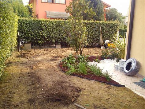 realizzazione aiuole per giardino progettazione e realizzazione giardino con aiuole in