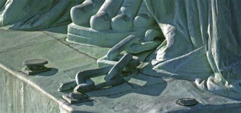 Significado de la cadena rota en la Estatua de la Libertad