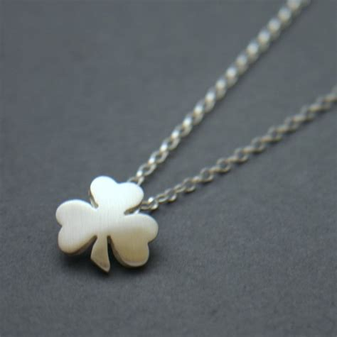 Handmade Jewellery Northern Ireland - st s day shamrock ceremony claddagh design