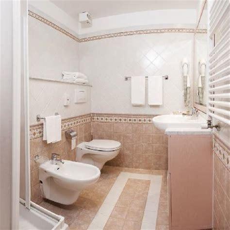 foto di bagno bagno toilette foto di hotel cristallo canazei