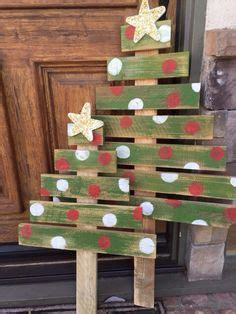 pallet tree skirt best 25 pallet tree ideas on pallet tree tree base and burlap