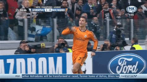 ronaldo juventus gif gif cristiano ronaldo scores for real madrid vs juventus in chions league bleacher report