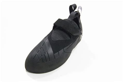 black climbing shoes 44 new climbing shoes coming in 2018 weighmyrack