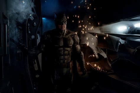 Batman News by New Batman Suit From Justice League May Confirm