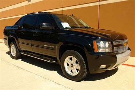 purchase used 2012 chevy avalanche ltz z71 package crew
