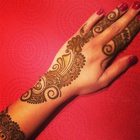 side henna tattoos best 25 side tattoos ideas on side