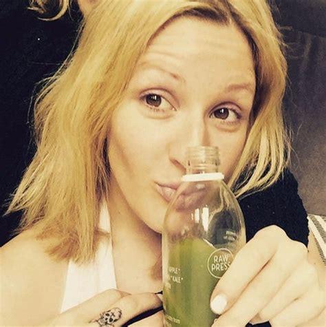 ellie tattoo instagram ellie goulding shares makeup free slob out selfie and