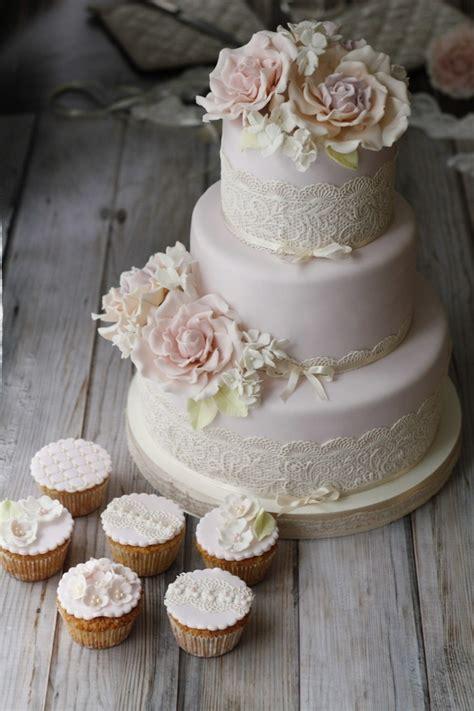 Hochzeitstorte Und Cupcakes by Hochzeitstorte F 252 R Jeden Geschmack Finden