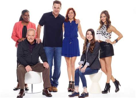 patrick warburton sitcom crowded recap high ratings for sitcom starring patrick
