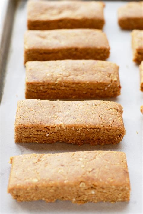 homemade peanut butter protein bars just 5 ingredients peanut butter oatmeal protein bar recipe