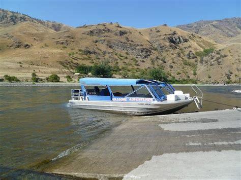 hells canyon jet boat killgore adventures hells canyon jet boat trips fishing