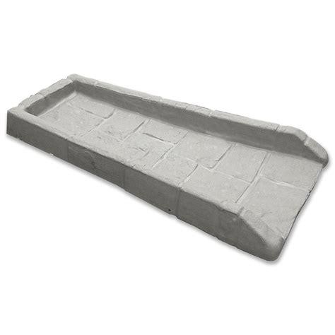 18 in x 10 1 2 in x 3 in concrete splash block