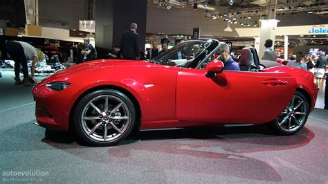 who made mazda mazda mx 5 miata makes european debut at paris 2014