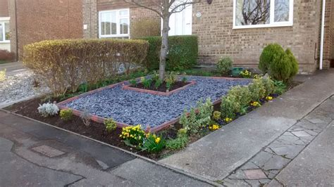 Low Maintenance Front Garden Ideas Captivating Interior Slate Landscaping