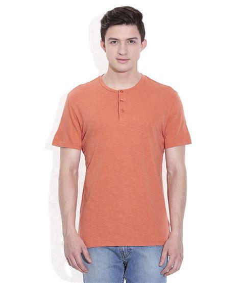 Tshirt Anak Levis Oranye levis orange basics henley t shirt buy levis orange basics henley t shirt at low price
