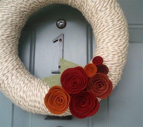 figure  house  put  wreath    glass
