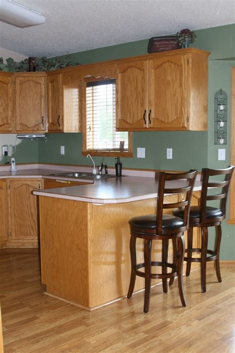 Best Paint Colors For Kitchen With White Cabinets by Golden Oak Everywhere Help