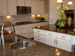 White Kitchen Cabinets With Brown Countertops Best 25 Brown Granite Ideas On Kitchen Cabinets Kitchen Tile Inspiration