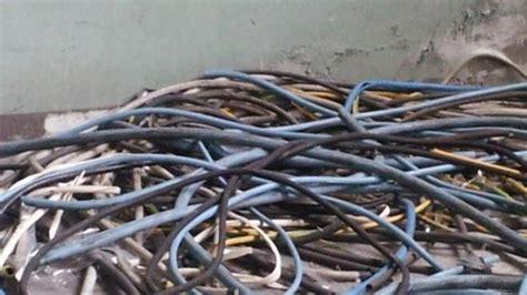 ladari di capodimonte ladri in un cantiere rubati cavi elettrici e attrezzature