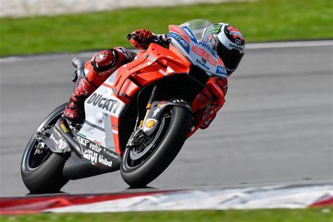 test motogp sepang ducati s lorenzo tops sepang motogp test record