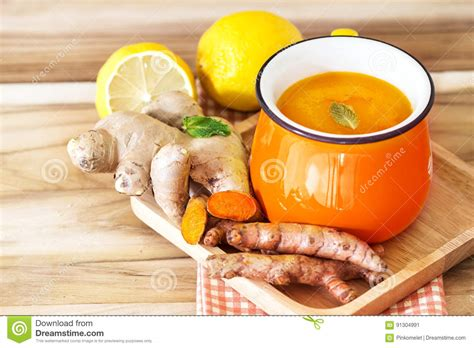 White Turmeric Detox by A Cup Of Turmeric Tea With Lemon And Benefits For