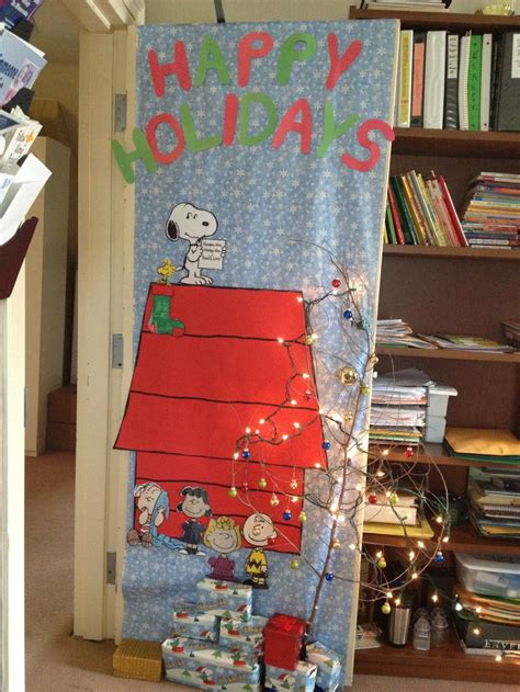 1000 images about holiday door decorating ideas on pinterest