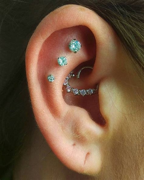 Piring L are piercing constellations and this new trend is
