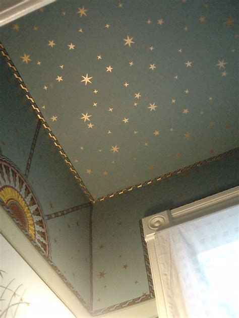 starry ceiling on ceiling would look great in a nursery