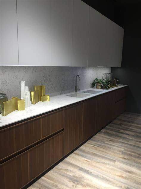 led backsplash under cabinet led lighting puts the spotlight on the