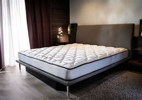 Bed Mattresses by Buy Luxury Hotel Bedding From Marriott Hotels Foam