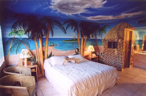 Hawaiian Themed Bedroom | click on the above image for a larger view of our blue