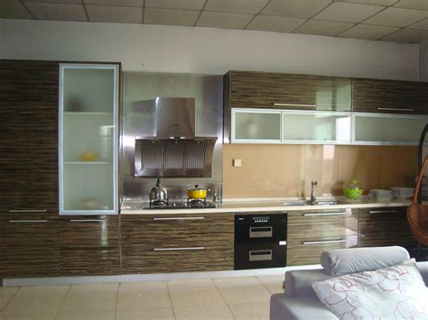 laminated kitchen cabinets luxury laminate kitchen cabinets design laminate kitchen