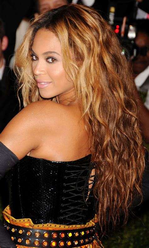 Beyonce Pin Up Hairstyles by Haircuts Instyle Co Uk