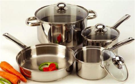 Peralatan Dapur Alumunium by Ibu Ibu Untuk Bersihkan Karat Pada Peralatan Dapur