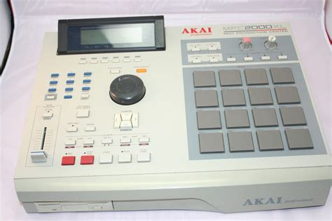mpc 2000 xl tutorial video i m just another emcee with this mpc blackkk krown