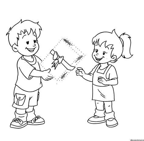 imagenes de good morning para niños para colorear dibujo de dos ni 241 os con un regalo